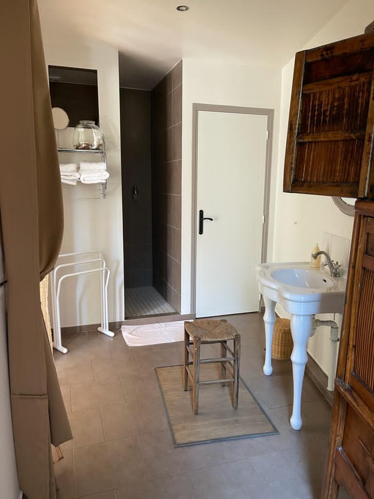 clos malo salle d'eau chambre pimprenelle